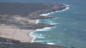 Costa ed onde dell'oceano stock footage