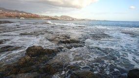 Costa em Costa Adeje, Tenerife, Espanha Fotografia de Stock