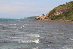 Costa em torno da ilha em Tailândia Fotos de Stock