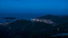 Costa en la noche, antes de la salida del sol Foto de archivo libre de regalías