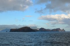 Costa este de la isla de Madeira, Punta de San Lorenzo, visión desde el océano Fotos de archivo
