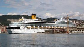 Costa Favolosa della nave da crociera fotografia stock libera da diritti