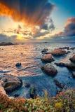 Costa grande del Océano Pacífico de Sur en la puesta del sol Fotografía de archivo libre de regalías