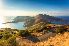 Costa costa griega en Peloponeso, Mani Peninsula foto de archivo libre de regalías