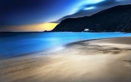 Costa hermosa en Noruega Fotos de archivo libres de regalías