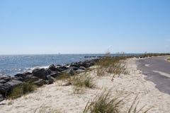 Costa costa hermosa a lo largo de la bahía móvil en Alabama los E.E.U.U. foto de archivo libre de regalías