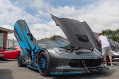 Costa Mesa, США - 20-ое апреля 2019: Американский автомобиль Chevrolet Corvette мышцы показал на событии путешествия Torqued стоковые фото