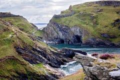 Costa norte de Cornualha da baía de Tintagel, Inglaterra fotografia de stock