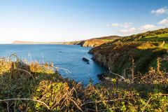 Costa oeste de País de Gales cerca de Fishguard Foto de archivo