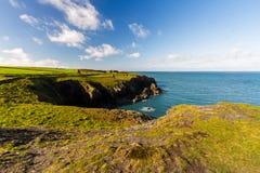 Costa oeste de País de Gales cerca de Porthgain Fotografía de archivo libre de regalías