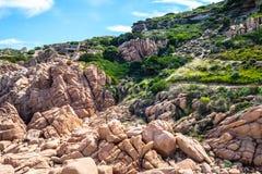 Costa paradiso Sardinien-Seelandschaft lizenzfreies stockbild