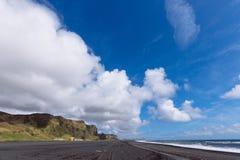 Costa preta da areia Imagem de Stock Royalty Free