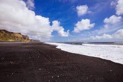 Costa preta da areia Fotografia de Stock Royalty Free