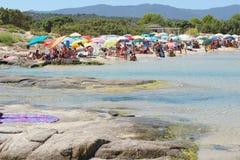 Costa Reja Włochy, Sierpień, - 25: Niezidentyfikowani ludzie w plaży Obrazy Royalty Free