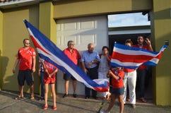 Costa Rica comemora: Os povos tomam as ruas após ter quallifiying aos quartos de final em Brasil 2014 campeonatos do mundo Foto de Stock Royalty Free