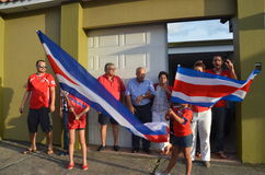 Costa Rica feiert: Leute nehmen die Straßen, nachdem sie zu den Viertelfinalen auf Brasilien 2014 Weltcup quallifiying Lizenzfreies Stockfoto