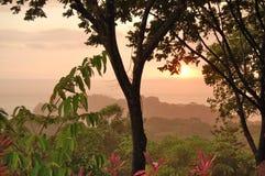 Costa Rica solnedgång royaltyfria foton
