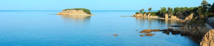 Costa rocciosa del mar Egeo, Sithonia, Grecia Immagine Stock Libera da Diritti