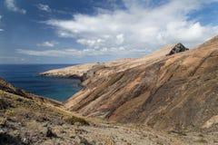 Costa rocciosa della parte orientale dell'isola del Madera Fotografia Stock Libera da Diritti