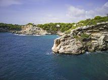 Costa rochosa de Mallorca fotos de stock