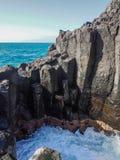 Costa rochosa de Tenerife em Puerto de Santiago, Tenerife fotografia de stock royalty free