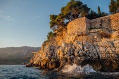 Costa rochosa do mar de adriático em Montenegro Imagens de Stock