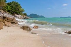 Costa rochosa dos oceanos fotos de stock royalty free