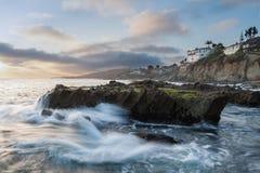 Costa rocosa de la playa de Victoria foto de archivo libre de regalías