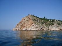 Costa rocosa del mar foto de archivo libre de regalías