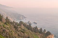 Costa rugosa de California Big Sur Foto de archivo libre de regalías