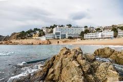 Costa costa salvaje hermosa Fotos de archivo libres de regalías