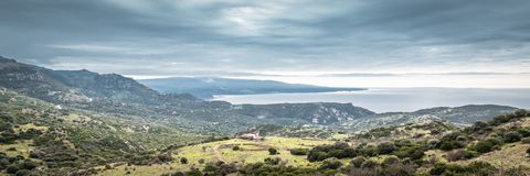 Costa Sardinia do panorama, Itália fotografia de stock royalty free