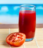 Costa suculenta de Juice Shows Thirsty Shore And do tomate foto de stock royalty free