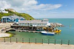 Costa sud dell'isola di Wight del porto di Ventnor della città del turista dell'isola Fotografia Stock Libera da Diritti