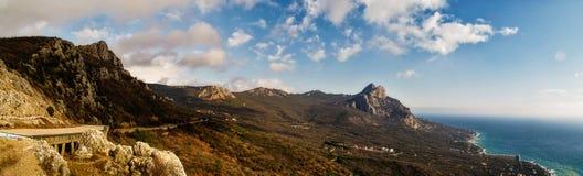 Costa sud della vista della Crimea Fotografia Stock Libera da Diritti