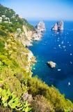 Costa tropical bonita Fotos de Stock Royalty Free