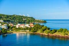Costa tropical en la isla caribe?a de St Lucia Es un destino del para?so con un mar blanco de la playa y del turquoiuse de la are fotografía de archivo libre de regalías