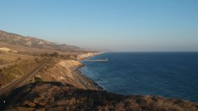 Costa 1 video aéreo de Gaviota California almacen de metraje de vídeo