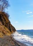 Costa y mar de piedra del paisaje Fotos de archivo