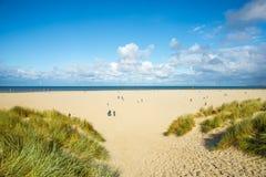 Costa y playa - puerto holandés Zealande de Mar del Norte Imagen de archivo libre de regalías
