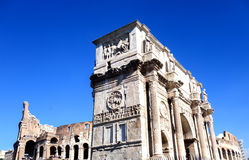 Costantines båge i Rome, Italien royaltyfria bilder