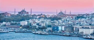 Costantinopoli al tramonto mosques fotografia stock libera da diritti