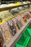COSTANTINOPOLI - IL 22 NOVEMBRE: Dentro una caramella e un negozio dolce in Th di Costantinopoli Immagini Stock Libere da Diritti