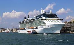 COSTANTINOPOLI, TURCHIA - 24 agosto 2015: Nave di crociere in Horn dorato Immagini Stock