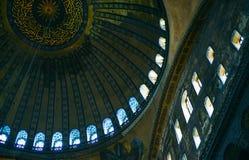 COSTANTINOPOLI, TURCHIA - IL 28 SETTEMBRE: Interno decorativo del soffitto del museo storico del tempio di Hagia Sofia a Costanti Fotografie Stock Libere da Diritti
