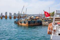 COSTANTINOPOLI, TURCHIA, l'8 maggio 2017 - nuovi Galataport cruis di Istanbul's Fotografia Stock Libera da Diritti