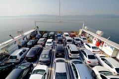 COSTANTINOPOLI, TURCHIA - 17 MAGGIO 2015: Vista superiore del traghetto del passeggero e del veicolo Dei traghetti bacino spesso  Fotografia Stock