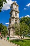 Costantinopoli, Turchia Torre di orologio nel palazzo di Dolmabahce Fotografia Stock Libera da Diritti