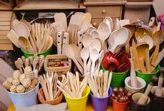 Costantinopoli, utensili di legno da vendere al bazar Tahtakale Fotografie Stock Libere da Diritti