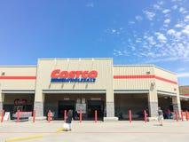 Costco продает внешнюю витрину магазина оптом в Lewisville, Техасе, США Стоковые Фотографии RF